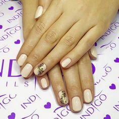 Delikatnie ale z pazurem!! Czyli Gel Polish FIrst Lady ze zdobieniem w panterkę od Indigo Educator Agaty Kaczmarek :) Bądź na bieżąco i śledź nas na Pintereście! www.indigo-nails.com #nailart #nails #indigo #nude #gelpolish #first #lady