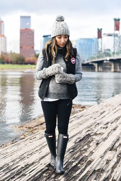 Hunter tour rain boots winter boots outfits, rain day outfits, hiking o Winter Outfits Women, Fall Outfits, Outfit Winter, Hiking Outfits, Winter Wear, Rain Day Outfits, Outfits With Rain Boots, Rain Boots Fashion, Christmas Day Outfit