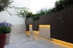 iluminacion LED light strip in the modern design garden in Madrid for the … - Garden Ideas - DIY Cove Lighting, Strip Lighting, Outdoor Lighting, Lighting Design, Outdoor Decor, Pergola Garden, Porch Garden, Modern Water Feature, Garden Wall Lights