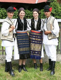 Romanian traditional clothing