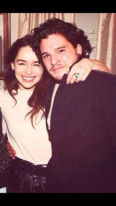 Emilia Clarke & Kit Harrington