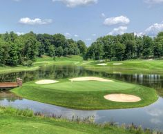 A slightly less-famous island 17th...this one at Boulder Creek in Streeetsboro Ohio. #pga365 #golfscene #beautifulgolfcourses #the18thgreen #whyilovethisgame #anythinggolf #golfporn