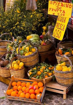 Love the colors of these fruits in the food market of Palermo, Sicily Fruit Stands, Italian Summer, Italy Food, Sicily Italy, Rome Italy, Verona Italy, Puglia Italy, Italy Travel, Italy Trip