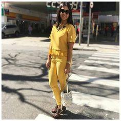 O look monocromático ajuda a criar uma ilusão de silhueta mais fina. Que tal então se inspirar neste look da Elaine @boasmaes com colar @carolgregori ? Nós amamos, e você? ❤ #elausacarolgregori #maxi #colar #look #monocromatico #moda #estilo #blogger #fashion #necklace #style #instablogger #instalook #instafashion #instapic #instagood