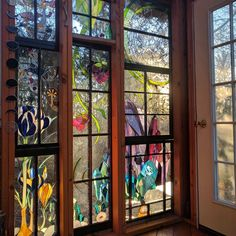 This remarkable cabin set within a New Jersey forest was created by Neile Cooper who has been infilling its walls with a multitude of colourful, nature-inspired stained glass designs. Neile uses the stained glass cabin… Glass Artwork, Glass Wall Art, Stained Glass Art, Stained Glass Windows, Window Glass, Glass Cabin, Glass House, Verre Design, Glass Design