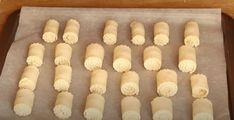 Pokud máte doma 1 kelímek tvarohu, toto musíte vyzkoušet: Rychlé a křehoučké tvarohové mini-rolky na celý týden! - Strana 2 z 2 - Příroda je lék Stuffed Mushrooms, Projects To Try, Food And Drink, Cheese, Baking, Vegetables, Sweet, Cooking Recipes, Hampers