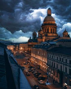 City Aesthetic, Travel Aesthetic, Life Is Beautiful, Beautiful Places, Beautiful Pictures, Europe Street, St Petersburg Russia, City Landscape, City Architecture
