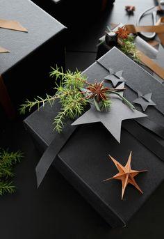 CHRISTMAS WRAPPING IDEAS Wrapping Gift, Creative Gift Wrapping, Christmas Gift Wrapping, Wrapping Ideas, Diy Christmas Gifts, Classy Christmas, Modern Christmas, Christmas Holidays, Xmas