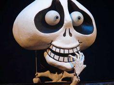 """O grupo As Graças apresenta o espetáculo """"Tem, Mas Acabou"""", dia 17 de abril em Osasco. Depoimentos, músicas, mágica, teatro de bonecos e de sombras compõem o espetáculo inspirado no livro """"Contos de Enganar a Morte"""", de Ricardo Azevedo. Com direção de Cris Louzano, a apresentação fala sobre vida e morte, começo e fim, ter...<br /><a class=""""more-link"""" href=""""https://catracalivre.com.br/geral/agenda/barato/tem-mas-acabou-2/"""">Continue lendo »</a>"""