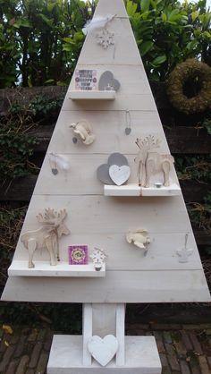 diy faire un sapin en bois de palette sapin r cup et idee deco. Black Bedroom Furniture Sets. Home Design Ideas