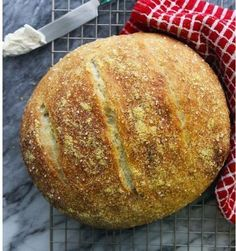 Olive Oil & Italian Herb Dutch Oven Bread Deliciously simple, this moist artisan-style bread requires no mixers or kneading, just a little time and a Dutch oven! Dutch Oven Bread, Dutch Oven Cooking, Dutch Oven Recipes, Bread Recipes, Baking Recipes, Dutch Ovens, Herb Bread, No Knead Bread, Tasty Kitchen