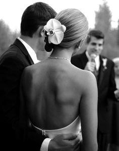 Coiffure de mariée #mariage #dos nu #orchidée #orchid #photo #bride and groom #hair #wedding