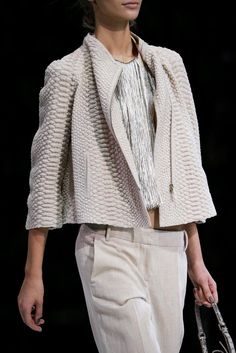 Giorgio Armani Spring 2015 Ready-to-Wear - Details - Gallery - Look 13 - Style.com