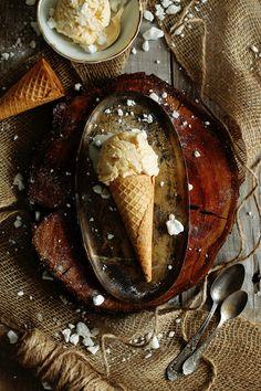 Niecodzienne lody z palonego masła. Pyszne, słodkie, o interesującym smaku.