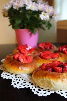 Kakkuviikarin vispailuja!: Mansikkapunnukset