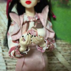 ahiru753 @ahiru753 3月22日  「魅惑の手」 #momokoph