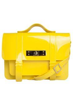 Bolsa Mochila Petite Jolie Satchel Amarela - Marca Petite Jolie - R$139