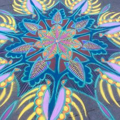 Sand Painting Jan 30th 2016    Follow me on Facebook http://www.facebook.com/joe.mangrum.art When sharing please include my links Ⓒ 1994-2015 Joe Mangrum http://www.joemangrum.com #sandart #sandpainting #NYC @joemangrum #colorful #art #streetart #art #streetlife To order T-shirts and more: j.mp/6colormangrum