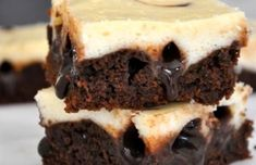 Moist And Chewy Cheesecake Brownies with Chocolate Fudge – Desserts Corner