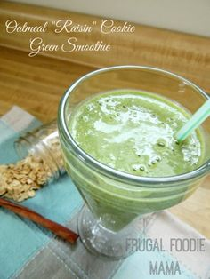 """Oatmeal """"Raisin"""" Cookie Green Smoothie by Carrie Robinson"""