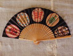 Classiky paper fan