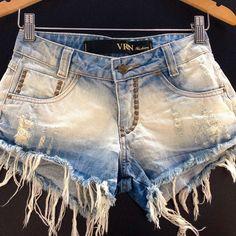 Os shorts são peças super democráticas e podem ser usados em todas as estações, montando diversos looks! Um amor especial por esse modelo ❤️ não é de babar ?!