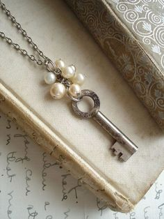 Rare Vintage Skeleton Key Necklace with Shabby Bohemian Glass Pearls. upcycled jewelry Jewelry Making Pearl Jewelry, Beaded Jewelry, Jewelery, Handmade Jewelry, Jewelry Necklaces, Necklace Ideas, Chain Bracelets, Recycled Jewelry, Initial Necklaces
