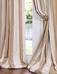 bay window swags these are really nice looking custom swags and