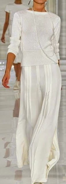 Ralph Lauren I LOVE THIS.....simplicity and loveliness at the same time...and timeless I would think!!!!!!!