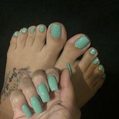 Mani Pedi Combos to Try This Spring - Alyce Paris Peach Nails, Pastel Nails, Green Nails, Bright Nails, Yellow Nails, Purple Nails, Cute Toe Nails, Pretty Nails, Hair And Nails