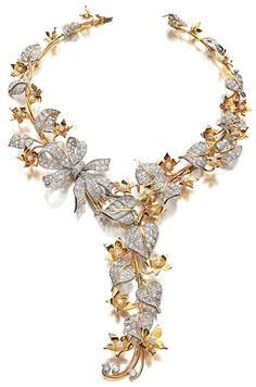 H & D Diamonds is your direct contact to diamond trade suppliers, a Bond Street jeweller and a team of designers. Tel: 0845 600 5557 - Paul Flato - Diamond and gold flower necklace, 1938 Jewelry Box, Jewelery, Jewelry Accessories, Fine Jewelry, Jewelry Necklaces, Pearl Necklaces, Diamond Necklaces, Pearl Bracelets, Pearl Rings