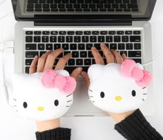 30971e050 Amazon.com : Sanrio Hello Kitty USB Handwarmers Gloves, Smoko : Camping  Hand Warmers