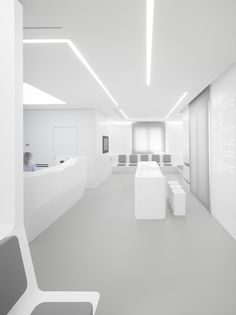 Gallery of White Space Orthodontic Clinic / bureauhub architecture - 2