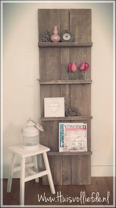 Steigerhouten tijdschriftenrek , pronkrek steigerhout #huis vol liefde #www.huisvolliefde.nl #interieur #huis #home