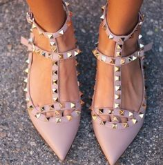 Pretty pointed and studded Valentino flats for spring // Have these. But not Valentino. Shoe Boots, Shoes Heels, Pumps, High Heels, Flat Shoes, Nude Flats, Dream Shoes, Crazy Shoes, Cute Shoes