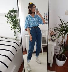 Ela on second outfit inspired by strangerthingstv do you want to see more outfits inspired on movies songs and shows top from baby outfit ideen Fashion Mode, Aesthetic Fashion, Aesthetic Clothes, Look Fashion, Aesthetic Outfit, 90s Aesthetic, Aesthetic Vintage, 80s And 90s Fashion, Summer Aesthetic
