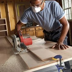 Two Essential Saw Cutting Guides | Family Handyman Woodworking Table Saw, Woodworking Jobs, Woodworking Projects Diy, Woodworking Articles, Wood Shop Projects, Wood Projects For Beginners, Wood Working For Beginners, Circular Saw Guide Rail, Circular Saw Reviews