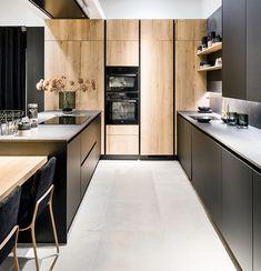 Kitchen Design Open, Contemporary Kitchen Design, Pantry Design, Kitchen Cabinet Design, Interior Design Kitchen, Kitchen Designs, Black Kitchens, Home Kitchens, Home Decor Kitchen