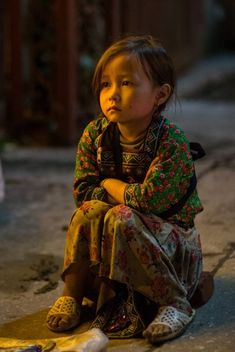 Sad Sapa by Manh Pham on Kids Around The World, We Are The World, People Of The World, Precious Children, Beautiful Children, Beautiful Soul, Beautiful People, Children Photography, Portrait Photography