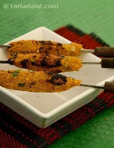 Veg Seekh Kebab, moong dal binds the mixed vegetables and spices, it is then pressed on skewers and grilled. Vegetarian Grilling, Healthy Grilling Recipes, Barbecue Recipes, Barbecue Sauce, Vegetarian Food, Seekh Kebabs, Kebab Skewers, Grilled Vegetables, Mixed Vegetables