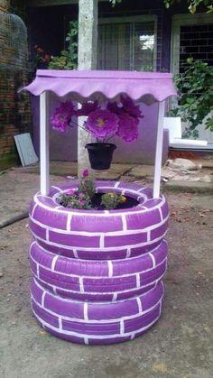 Eski lastikler ancak bu kadar güzel olur Tire Planters, Plastic Pots, Plastic Bottles, Garden Gates, Garden Art, Garden Ideas, Flower Food, Flower Art, Bamboo Garden