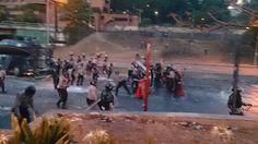 PNB empieza a lanzar piedras. Se acercan a los manifestantes. 21A