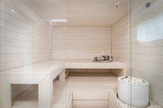 Kaunis vaalea sauna - Etuovi.com Ideat & vinkit Feminine Apartment, Sauna Design, Finnish Sauna, Steam Sauna, Spa Rooms, Sauna Room, Bathroom Goals, Apartment Interior, Bathtub