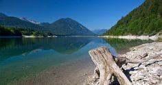 Wie ein Fjord liegte der Sylvensteinsee zwischen den Bergen., © Tourismus Lenggries, Foto Christian Bäck