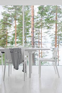 Tässä se on, unelmani. Suunnittelija ja asukas on arkkitehti Tuomas Toivonen. Kaunis ja tyylikäs. Hitusen jopa henkeäsalpaava. Kaikki valkoi...