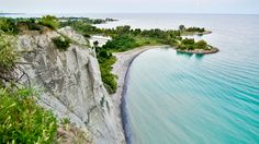14 Surreal Places In Ontario, Canada You Won't Believe Really Exist Cool Places To Visit, Places To Travel, Travel Destinations, Cross Canada Road Trip, Scarborough Bluffs, Scarborough Ontario, Ontario Travel, Canada Travel, Canada Trip