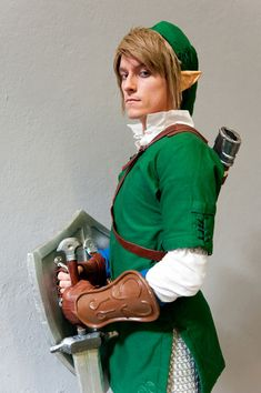 French Link cosplay at Paris Manga Sci-fi Show, sept. 2012 (2)
