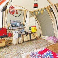 ・ 今回は#2人キャンプ だったので#テント内 にキッチンを設営しました 5月下旬だけどまだ寒いのでコタツのロースタイルで 今回は最小限の荷物でキャンプに挑戦⛺️ ・ #アウトドアキッチン #スチールベルトクーラー #アウトドアこたつ #外こたつ #ユニフレームツーバーナー #イグルージャグ #キャンプ #アウトドア #おしゃキャン #おしゃれキャンプ #ソトアソビ #バーベキュー #お外あそび #キャンパー #おしゃれキャンパー #camphack取材 #camp #outdoor #bbq #camping #outingstylejp #キャンプ用品 #キャンプ初心者 #カマボコテント #ドッペルギャンガー #ドッペルギャンガーテント