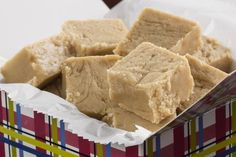 Melt Away Peanut Butter Fudge Fudge Recipes, Candy Recipes, Holiday Recipes, Dessert Recipes, Yummy Treats, Delicious Desserts, Sweet Treats, Fudge With Evaporated Milk, Fudge With Marshmallow Cream