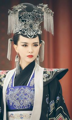 Hanfu from The Princess Weiyoung 《锦绣未央》 - Tang Yan, Luo Jin, Vanness Wu, Rachel Momo Tiffany Tang Luo Jin, Kaftan, Princess Weiyoung, O Drama, Chinese Clothing, Chinese Dresses, Oriental Fashion, Oriental Style, China Girl